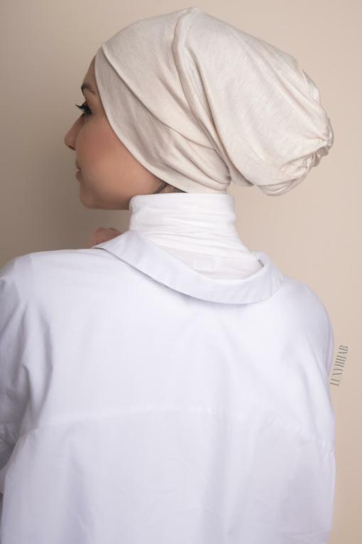 تحت الحجاب