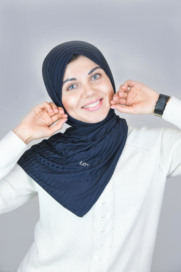 dark blue hijab