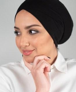 قمطة تحت الحجاب