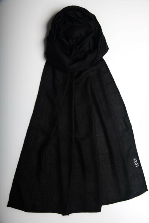 حجاب كشمير باللون الأسود