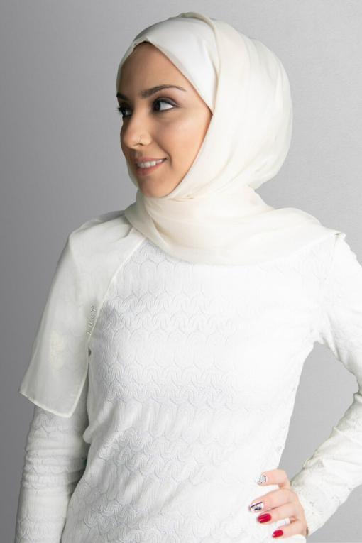حجاب لامع لؤلؤي