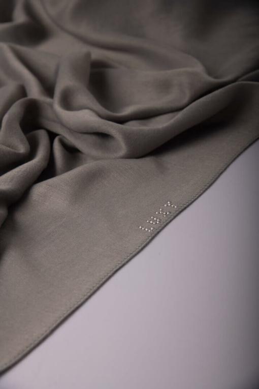 حجاب قطن باللون الرمادي