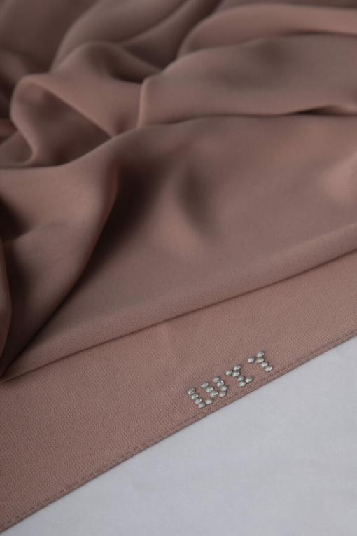 حجاب الشيفون باللون الوردي البني