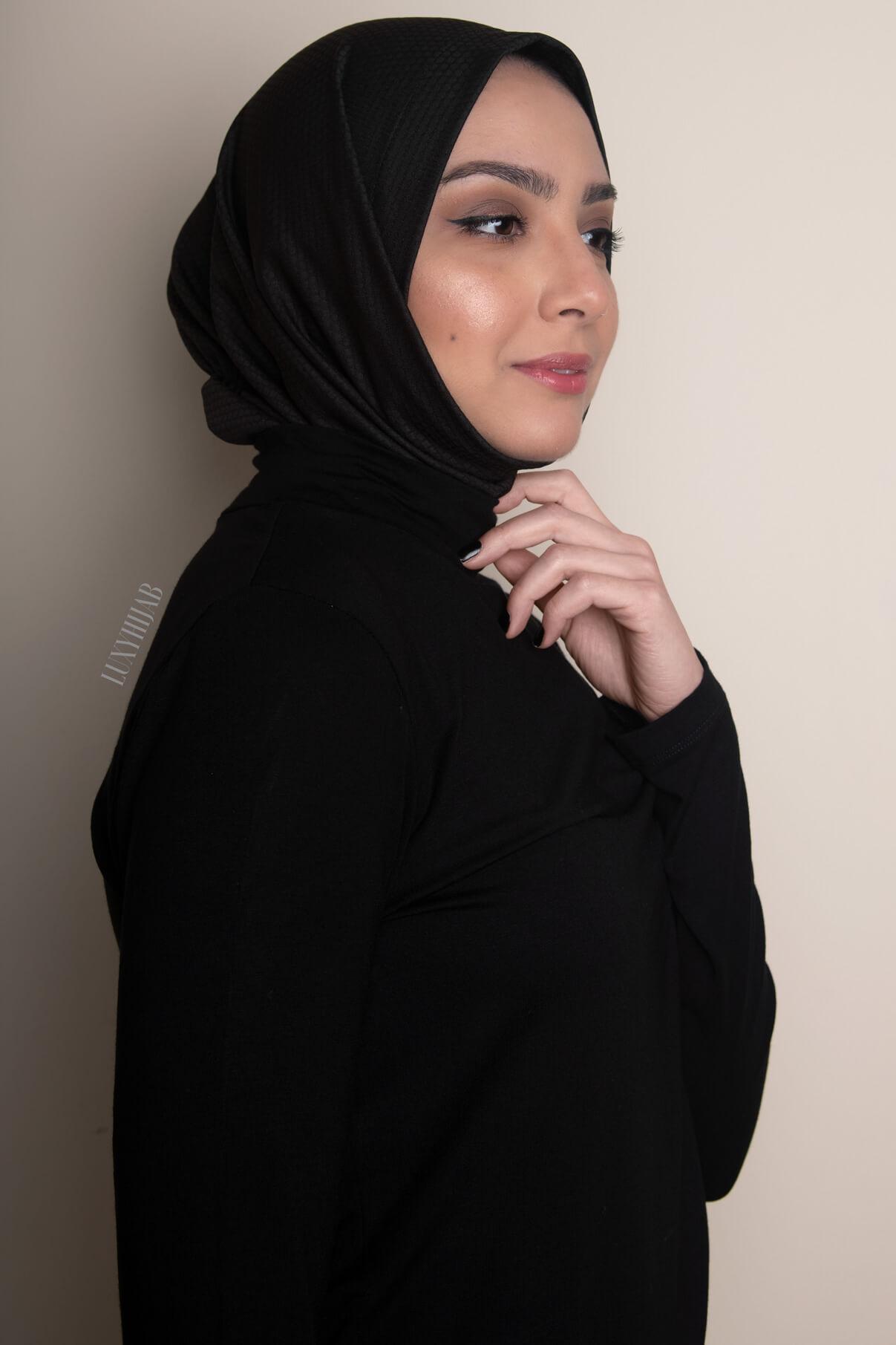 sport hijab model