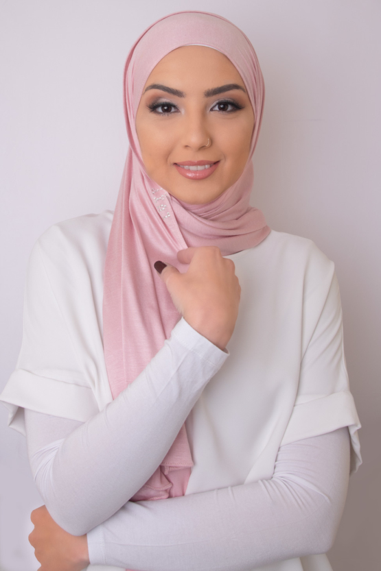 hijab in chic pink