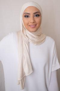 الحجاب باللون العاجي جيرسي