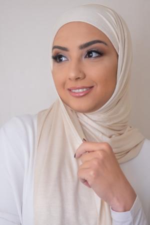 حجاب جيرسي عاجي