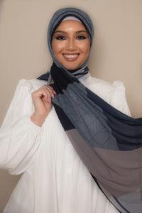 حجاب بألوان العاصفة