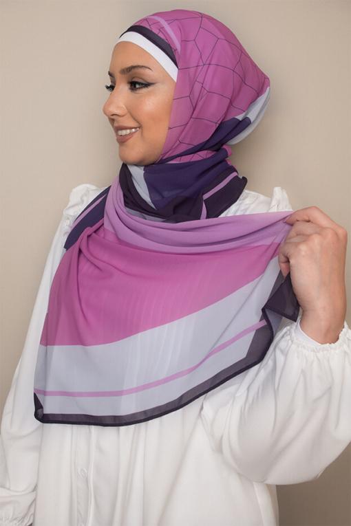 حجاب مطبوع باللون البنفسجي