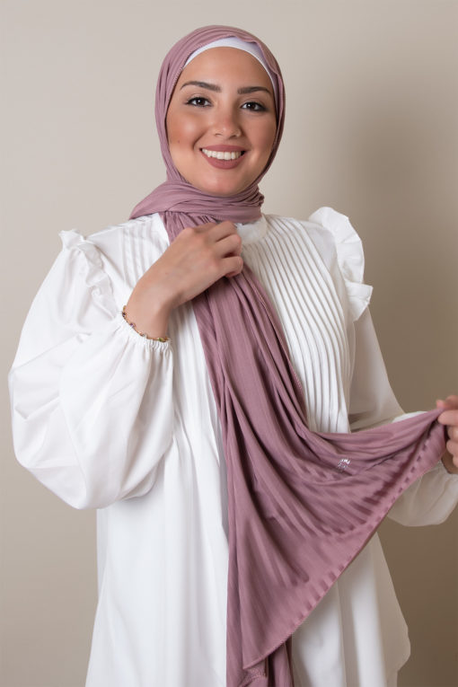 modal scarf in rose